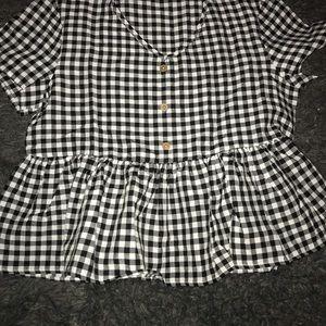 Tops - Plaid crop top shirt
